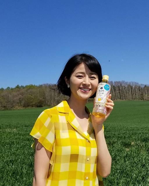 "Chinami Suzuki 鈴木ちなみ on Instagram: ""A good day ☀︎ #tochiとcraft  #ポッカサッポロ #富良野ラベンダーティー  関東のローソンで 「富良野ラベンダーティー」が 並んでいるそうです💜 Lets go LOWSON and get the bottle of tea💜…"" (622100)"