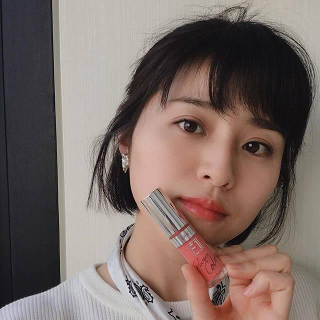 "Chinami Suzuki 鈴木ちなみ on Instagram: ""Today's Lips 💋#DHC #F1#リップグロス #ピュアピンク#艶がいい感じ"" (622104)"