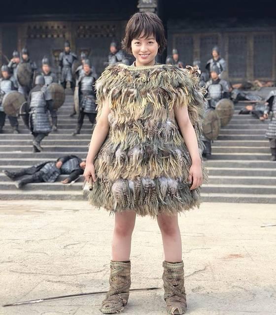 """橋本環奈マネージャー on Instagram: """"こんばんは!環奈MGです。  映画「キングダム」本日公開です‼️ 環奈は、初日舞台挨拶の待機中です。 是非劇場で見て頂きたいです!  今日は中国でのオフショットをシェアします。  #橋本環奈 #橋本環奈マネージャー #キングダム #公開日 #河了貂 #キングダム中国ロケ…"""" (623271)"""