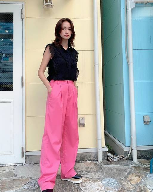 """大森みち(Omori Michi)おみち on Instagram: """"今日の私服丈感とシルエットに一目惚れなパンツ👖💞#タグ付け 🏷#instantfunk#ootd#fashion#今日の私服#みちふく"""" (625790)"""