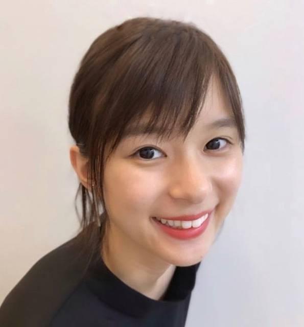 """🍅kyo-ko_fan🍅 on Instagram: """"文字消ししてみたけど上手くできない😓コツを教えてください笑笑・・・・・#芳根京子#芳根京子好きと繋がりたい #insutalove"""" (626076)"""