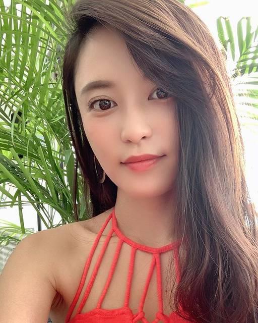 """小島瑠璃子 on Instagram: """"🌻もう夏も終わりかな〜?"""" (630525)"""