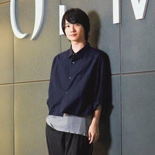 """神木隆之介ファン on Instagram: """"かみきくんの分け目は右から左にながすスタイルが多いけど逆も見たい、、左から右へ、、#神木隆之介 #KamikiRyunosuke"""" (631572)"""