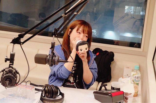 """開幕ハツ on Instagram: """"aiko聞いてって友達に勧めて「聞いたよ!好きになった!」って言われると自分の曲じゃないのにとっても嬉しくなる!aikoはストリーミングがないけど、CDをガンガン貸して広めていきたい!…"""" (632933)"""