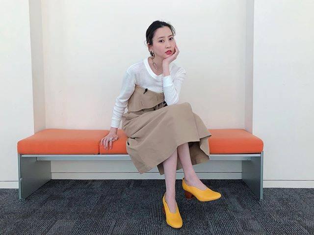 "Mayuko Kawakita 河北麻友子 on Instagram: ""FASHIONTOP: någonstansDRESS&HEELS: ENFÖLDACCESSORIES: ADER .bijoux#FASHION #衣装"" (634326)"