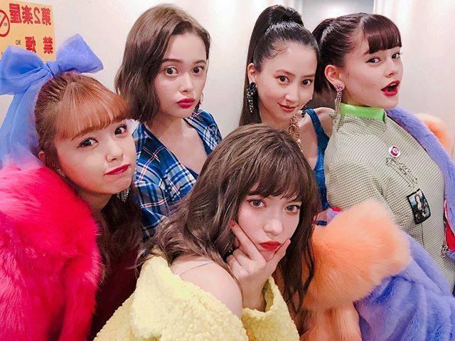 "Mayuko Kawakita 河北麻友子 on Instagram: ""💛💙💖🧡💜#ViViNight #びびないと"" (634333)"