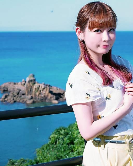 """中川翔子 on Instagram: """"対馬の海は蒼くてとても綺麗でした。#8月16日に越谷でイベントやります #中川翔子 #しょこたん #対馬 #海で泳ぎたい #夏 #saaageboutique"""" (639674)"""