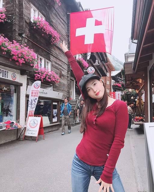 """土屋太鳳 on Instagram: """"遅くなってしまいましたが、 お元気ですか? スイスでの時間とか空気の感覚が すごく名残惜しいのですが、 東京での生活も 元気に再スタートしています😊✨✨ . しかも明日29日は、 とんでもない一日になりそう… なんと、国内最高峰と言われる ものすごいジュエリーに…"""" (639770)"""