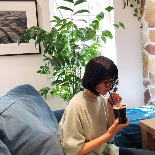"Chinami Suzuki 鈴木ちなみ on Instagram: ""Relaxing time ☕️"" (640398)"