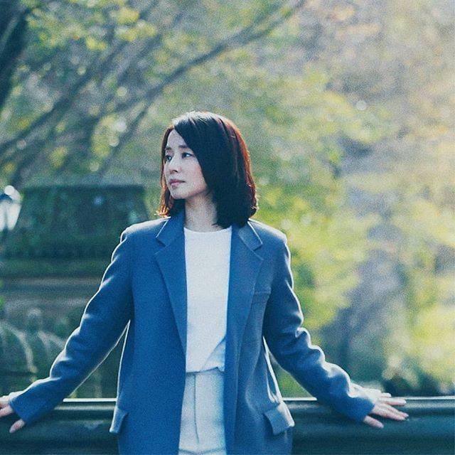 """映画『マチネの終わりに』公式アカウント on Instagram: """". 世界的なクラシックギタリストの蒔野聡史は、 公演の後、パリの通信社に勤務するジャーナリスト・小峰洋子に出会う。 ともに四十代という、独特で繊細な年齢をむかえていた。 出会った瞬間から、強く惹かれ合い、心を通わせた二人。 洋子には婚約者がいることを知りながらも、…"""" (641451)"""