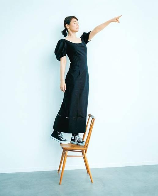 "Fumiko Shibata on Instagram: ""椅子に立ってくださいとお願いしたら、可愛いポーズしてくれた素敵な人#石田ゆり子#leemagazin#fumikoshibata#柴田フミコ"" (641459)"