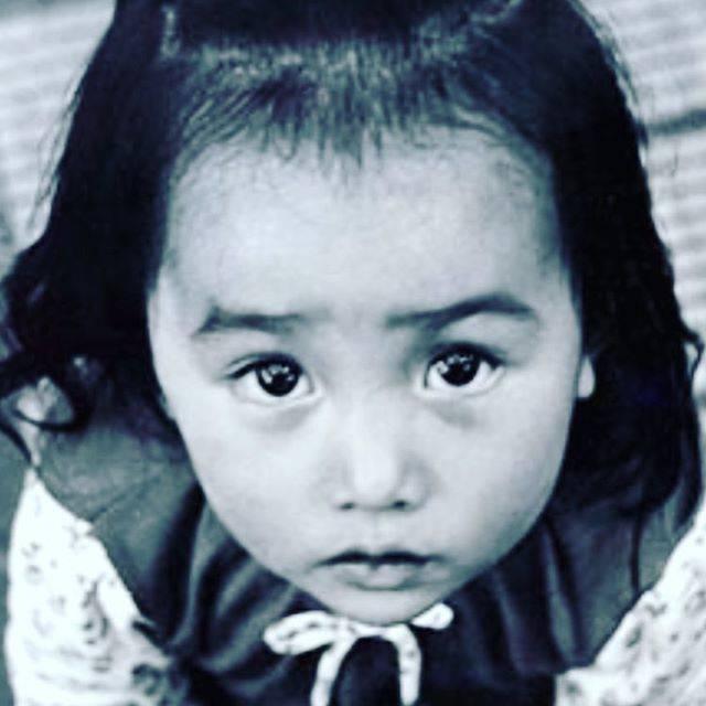 "Kudo_shizuka on Instagram: ""この時からおデコと前髪の境目が無く、今も産毛が剃れない😂これは2歳らしい。"" (646665)"