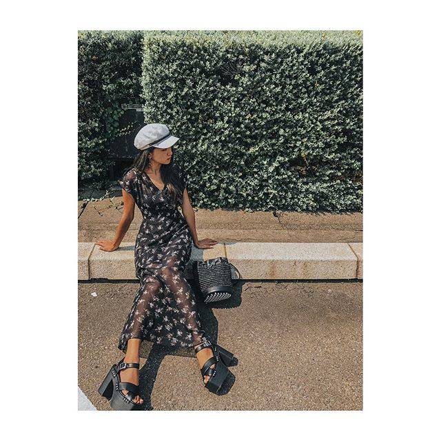 """みちょぱ(池田美優) on Instagram: """".夏だしたまにはワンピースもありかな〜ってげとってみたEMODAのワンピ♥背中もぱっくり開いてたり露出もできるから黒で甘くなりすぎずたまには✌︎ちなみに靴もEMODAさん。#emoda #mystyleemoda"""" (646744)"""