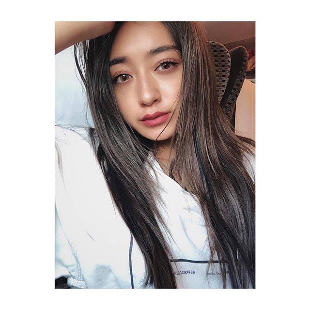 """みちょぱ(池田美優) on Instagram: """".載せ忘れてたけど先週かな?L.O.G渋谷でおにゅうカラーにしてきました✌︎シルバーベージュにローライト多め!いつもありがとうございます💋"""" (646768)"""
