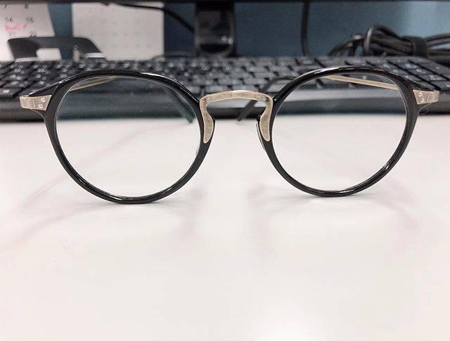 """まるこ on Instagram: """"仕事の時はこのメガネお気に入りのOliver peoples お源のメガネに憧れて買ったやつ。レンズがね遠視で高く全部で6万円。。。大事に使ってます◎#星野源 #oliverpeoples #星野源メガネ #遠視 #お気に入りメガネ"""" (646822)"""