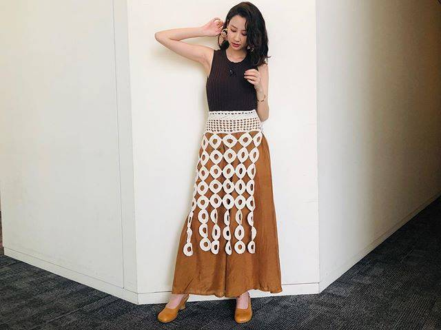 "Mayuko Kawakita 河北麻友子 on Instagram: ""FASHIONTOP: AULAPANTS: Mes DemoisellesSKIRT: AKANE UTSUNOMIYANECKLACE: little emblemEARRINGS: THE DallasRING: ADER.bijoux#FASHION #衣装"" (648005)"