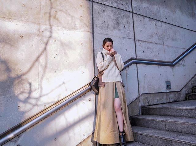 "Mayuko Kawakita 河北麻友子 on Instagram: ""FASHIONTOP&SKIRT: SacaiBOOTS: GucciBAG: Sacai#FASHION #OOTD#麻友コーデ #MayuPics #麻友ぴく"" (648026)"