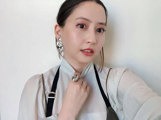 "Mayuko Kawakita 河北麻友子 on Instagram: ""MOTDFACE: マシュマロフィニッシュパウダーEYES: ジェルスターアイズ17EYES&CHEEKS: グロウフルールチークス09LIPS: ステイオンバームルージュ09#MOTD #CANMAKETOKYO"" (648219)"