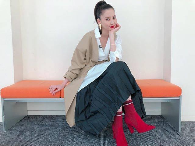 "Mayuko Kawakita 河北麻友子 on Instagram: ""FASHIONDRESS: ENFOLDACCESSORIES: NOJESSBOOTS: DIANA#FASHION #衣装"" (648257)"