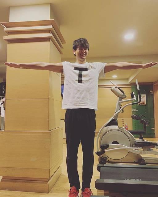 """竹内涼真 on Instagram: """"T T兄弟。 Tです。#チョコレートプラネット"""" (648632)"""