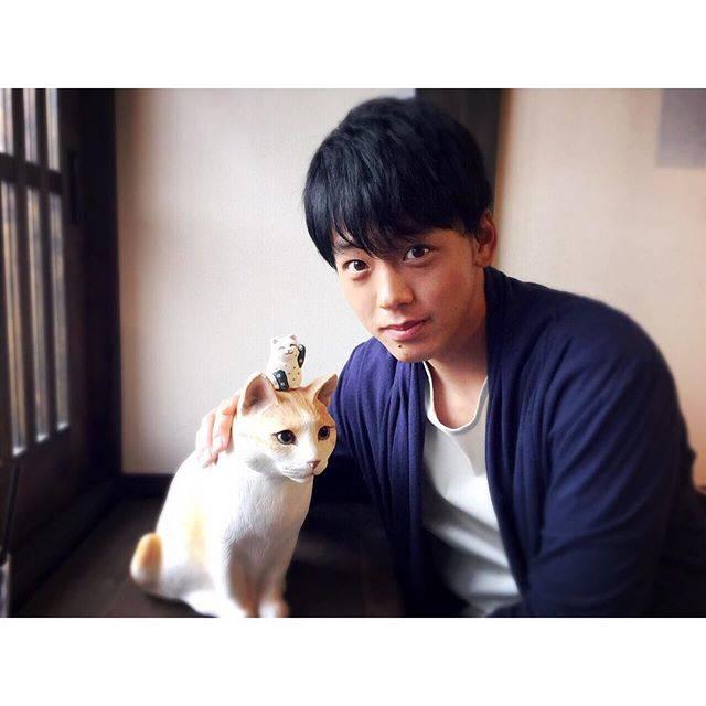 """竹内涼真 on Instagram: """"髪の毛真っ黒👀"""" (649860)"""