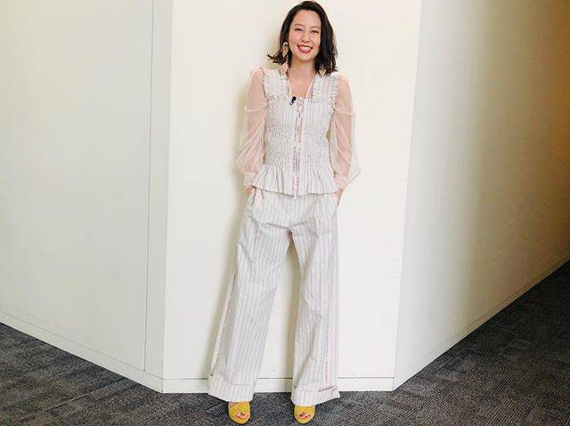 "Mayuko Kawakita 河北麻友子 on Instagram: ""FASHIONTANK TOP&PANTS: Beautiful PeopleTOP: Troisieme ChacoEARRINGS: Studious×the DallasSANDALS: Diana#FASHION #衣装"" (652363)"