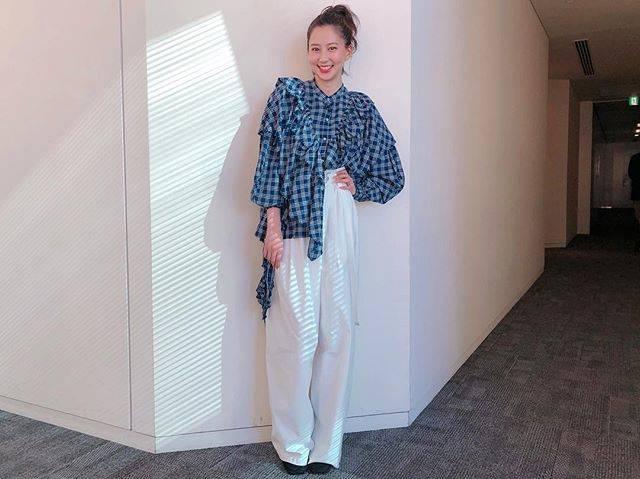 "Mayuko Kawakita 河北麻友子 on Instagram: ""FASHIONOUTFIT: någonstansACCESSORIES: Hirotaka #FASHION #衣装"" (652372)"