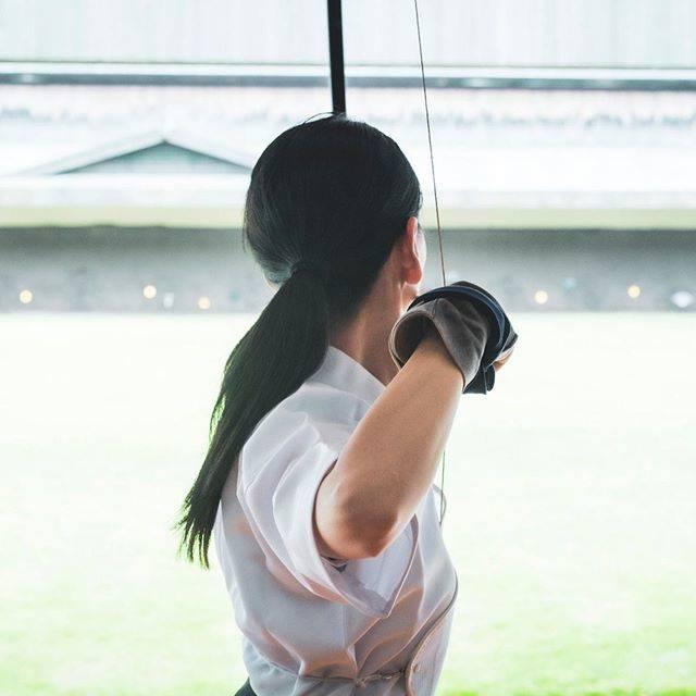 """萩本舞 Hagimoto Mai on Instagram: """"余興  #弓道 #弓引くモデル #萩本舞  #budo #kyudo #culture #jp #archery #model #beauty #photo #portrait #日本  #love #lovelife #lifeisbeautiful #japon…"""" (652506)"""