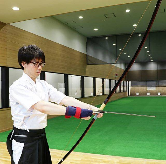 """You Me and Zen 弓と禅 on Instagram: """"He started kyudo again after a 20 year break‼ Needless to say he hit the target perfectly the first time🎯…"""" (652520)"""