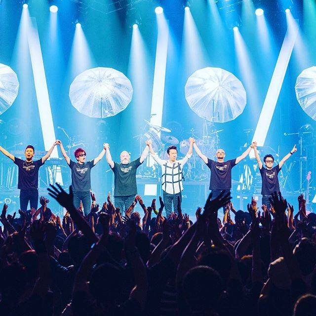 """HOTEI Official on Instagram: """"G VI TOUR FINISHED! ツアー終了!リプライズでまた会おう。#布袋寅泰 photo by Michiko Yamamoto"""" (652967)"""
