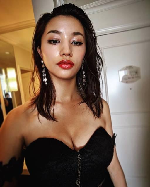 """Maryjun Takahashi 高橋メアリージュン on Instagram: """"#offshot #flash#フラッシュHair&Makeup by @hori_hairmake#maryjuntakahashi"""" (653236)"""