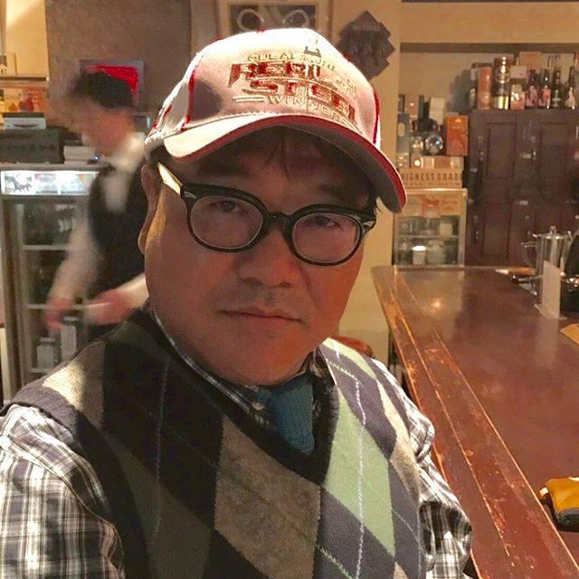 カンニング竹山さんはInstagramを利用しています:「THEおじさん#メタボ #加齢臭 #痛風 #悪玉コレステロール #高血圧 #ハゲ 等々を背負って生きております。」 (653425)