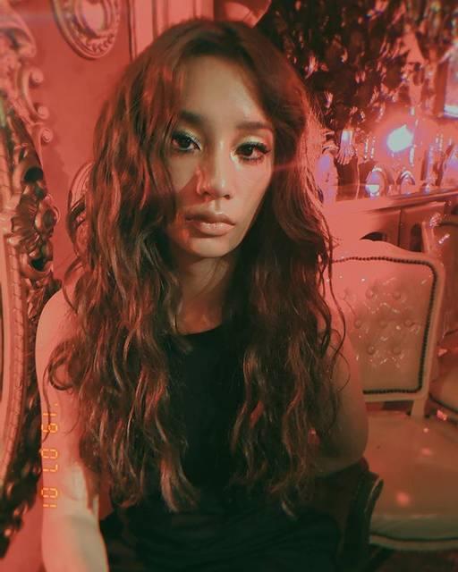 """shuco on Instagram: """"本日はとびきり可愛い彼女。 #高橋メアリージュン  @maryjuntakahashi ❤️❤️❤️ 前回お仕事した時はくりくりボリューミィーにしたり、今回はエクステいっぱいつけてロングヘアにして、ウェービィーに💛 何でも似合うから、髪の毛で遊ばせてもらって楽しかった😆💖…"""" (653471)"""