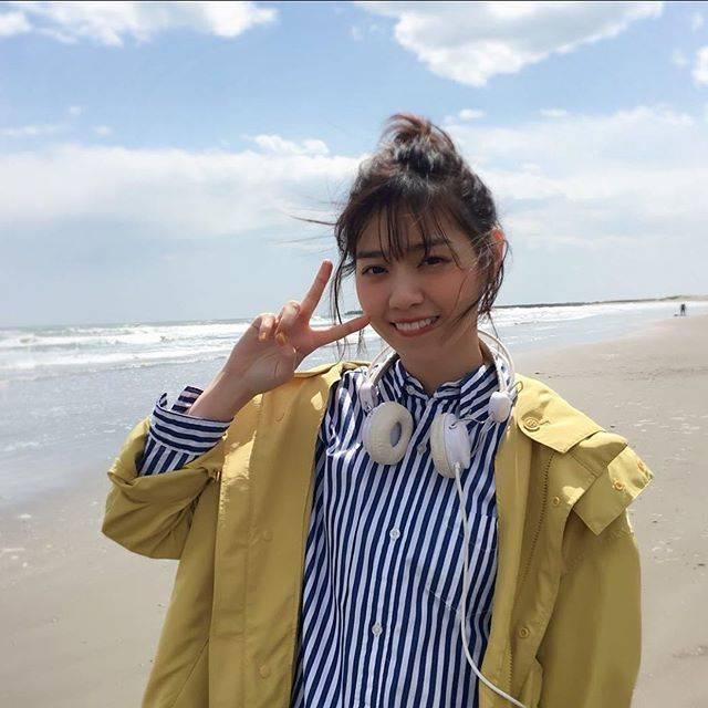 """@_nanase_nishino_ on Instagram: """"1日1七瀬 day27夏の笑顔最高だよね!海行きたいな なぁちゃんと寒いのかな? 一緒に遊びたい…夏はたくさん遊びたいね…! #西野七瀬 #なぁちゃん  #ななせまる #西野七瀬推しと繋がりたい #乃木坂46"""" (654619)"""