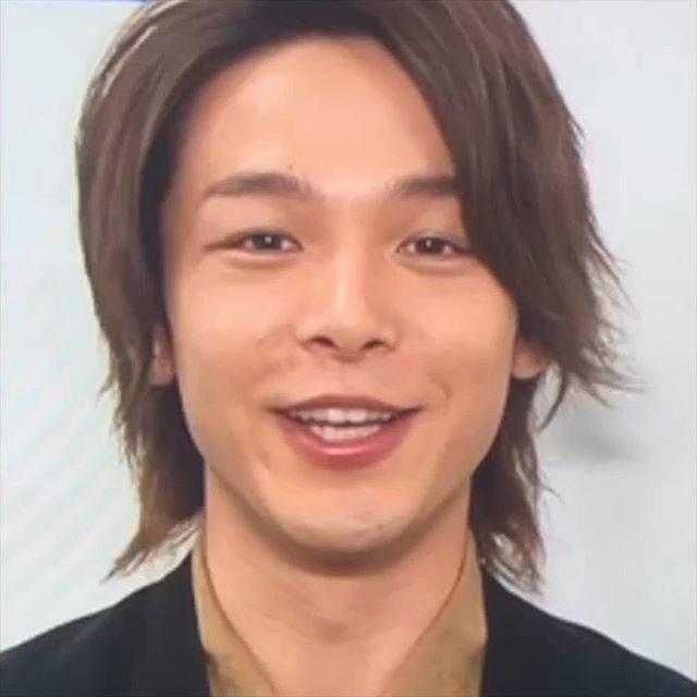 """@tomoyakungasuki on Instagram: """"ロス、、🗿 遅れてきたー。。可愛過ぎるぬいぐるみショットで癒されたのも束の間😖  さみしい時は恒例の笑い声あつめ← お芝居中の笑顔は入れないのがこだわりです😎💕笑。 かわいいね〜❤ 🤤⚠️音量・画質・新旧バラバラです  #中村倫也 #なかむらともや #倫也王子 #アラジン…"""" (658013)"""