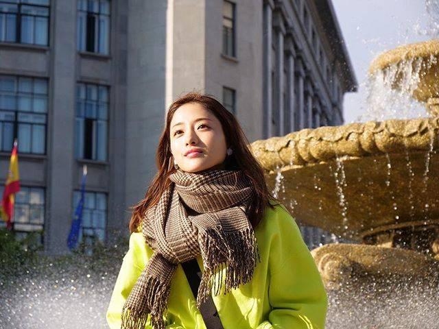 """石原さとみ IshiharaSatomi on Instagram: """".あけましておめでとうございます🌞さとみちゃんinスペイン最高でしたね❗️#石原さとみ #IshiharaSatomi#石原さとみのすっぴん旅inスペイン世界一おいしい街で見せた女優の素顔 #石原さとみのすっぴん旅 #さとみちゃんに届きますように"""" (660423)"""