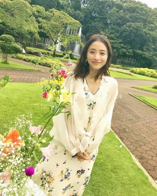 """石原さとみ IshiharaSatomi on Instagram: """".#石原さとみ #IshiharaSatomi#高嶺の花#さとみちゃんに届きますように"""" (660436)"""