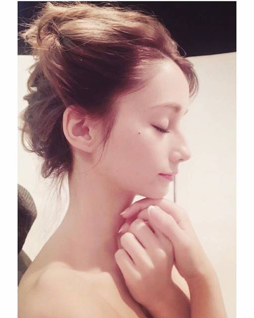 """ダレノガレ 明美 on Instagram: """"髪の毛アップにするの最近やってないから何か違和感😳肌の調子が本当に良い🥺"""" (661308)"""