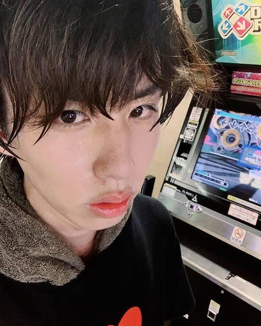 """はじめしゃちょー on Instagram: """"今日もダンレボで!!運動!!!!!!見よこの汗の量を!!!!!"""" (664561)"""