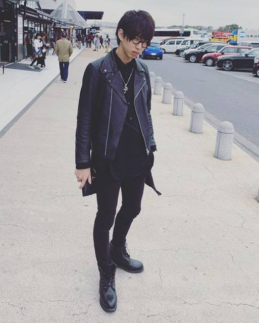 """はじめしゃちょー on Instagram: """"バレないようにワイがいつも着ない系スタイルで後輩とお出かけしてたんだけど、全然バレまくった件🐭"""" (664869)"""