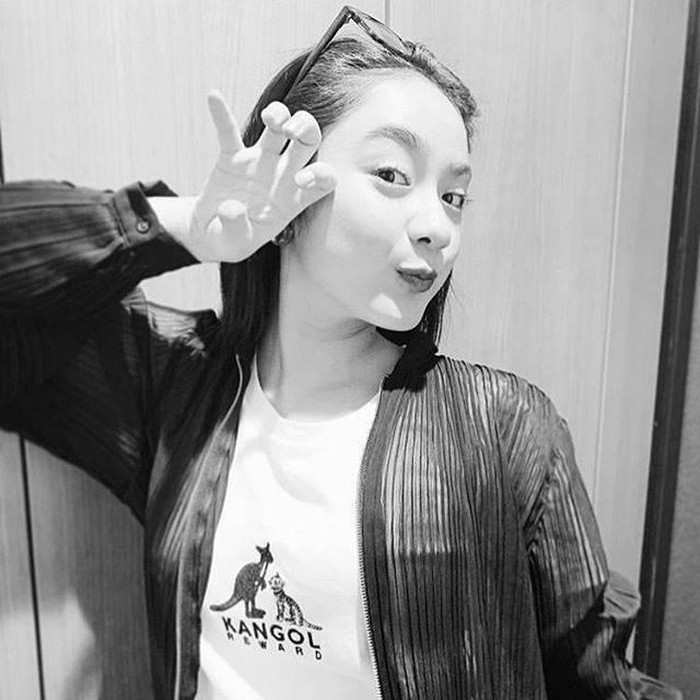 """yinafamily on Instagram: """"やっとトレーナー届いたからこの祐奈ちゃんあげちゃう!ネックレスはまだ🥺....#平祐奈 #yunataira #yunafamily #kangolreward"""" (670253)"""