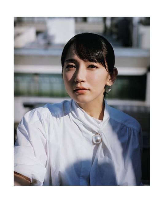 """吉岡里帆 on Instagram: """"おはようございます。今日、京都に帰れるの楽しみです…15時と18時の回。Tジョイ京都です!東京は丸の内TOEIです!@mmokugekisha #見えない目撃者"""" (670741)"""
