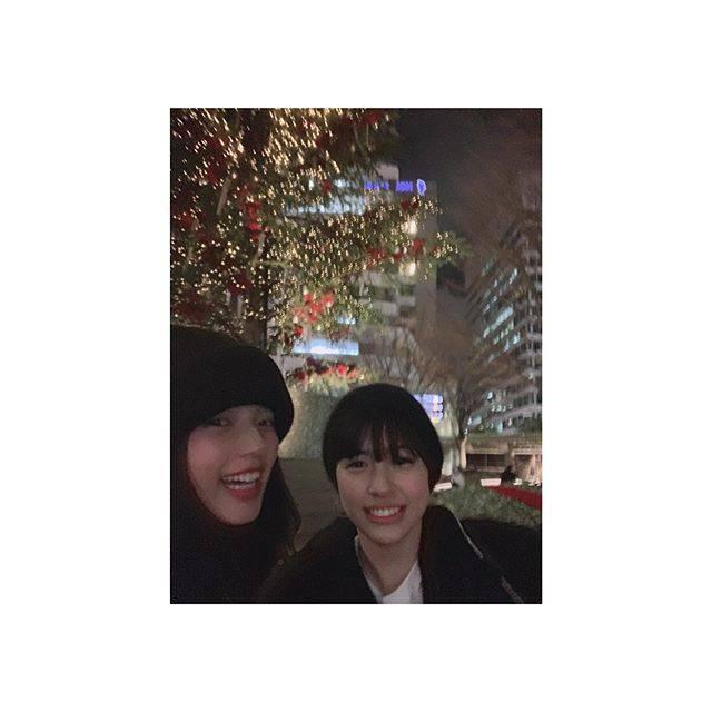 """石井杏奈 on Instagram: """"#チアダン#DVD発売記念#プライベートオフショット#公開今日は麻子役の佐久間由衣ちゃん。由衣ちゃんとは、よく映画を観に行きます。ご飯も食べに行きます。相談もするし、他愛もない話もします。好き✨#佐久間由衣 ちゃん"""" (674468)"""