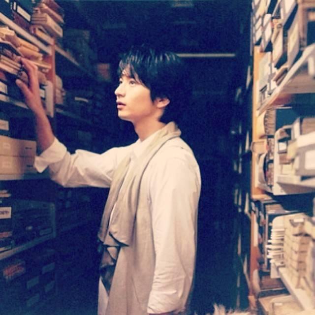 "Osamu Mukai   向井理 on Instagram: ""#osamumukai #mukaiosamu #向井理 #japanese #actor"" (674848)"