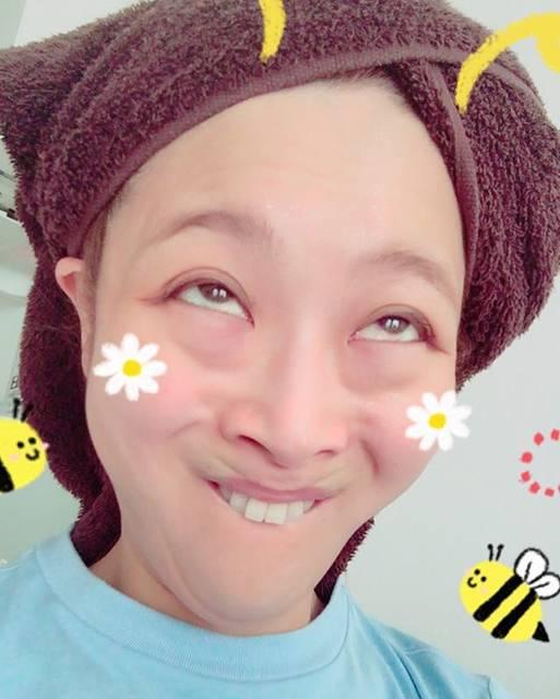 """鈴木奈々 on Instagram: """"おはようございます\(^o^)/仕事行ってきまーす(^_−)−☆#朝の変顔 #行ってきまーす"""" (676243)"""