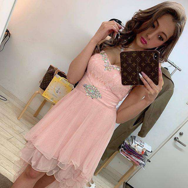 """ゆきぽよ(Yuki Kimura) on Instagram: """". . . @ryuyu_dressshop さんの. 撮影だったよ😍💗. . . めっちゃ可愛いドレスいっぱい着れて. 幸せでした〜🥺❤️. . . ドレス探してる子は是非. @ryuyu_dressshop さんのドレス. 見てみてね👗❣️. . .…"""" (678704)"""