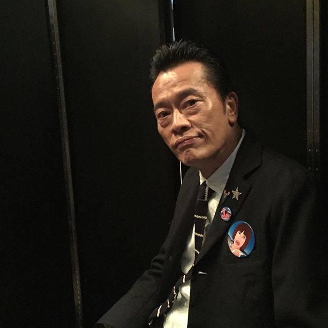 """遠藤憲一 on Instagram: """"スタッフです。もう会場に到着してみなさんを待ってるところです! #ななにー  #ななにー元日SP"""" (679446)"""