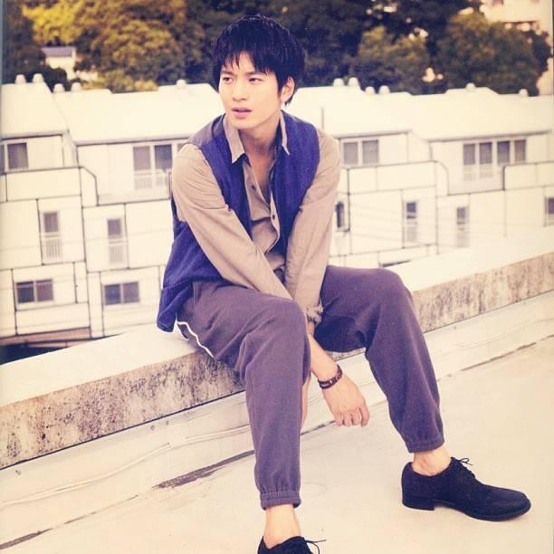 "Osamu Mukai | 向井理 on Instagram: ""#osamumukai #mukaiosamu #japanese #actor #handsome #向井理"" (679539)"