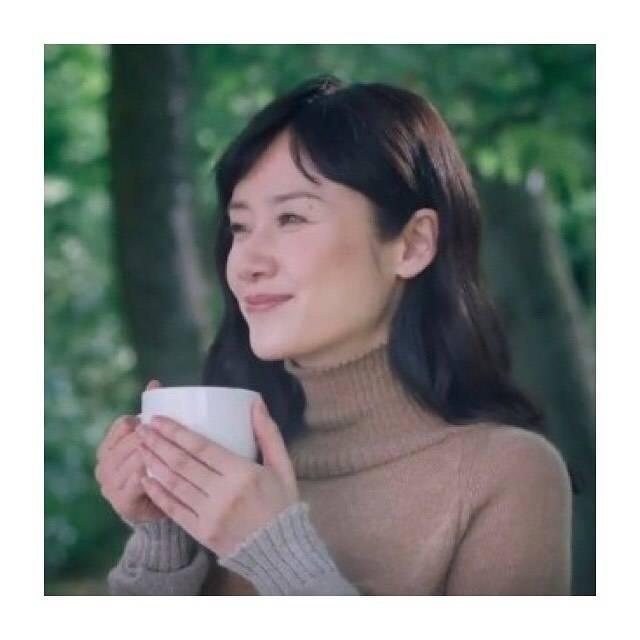 """Mii ︎ on Instagram: """"..知世さんの優しい微笑みが大好き︎☺︎..#原田知世 #ブレンディ #AGF"""" (679907)"""