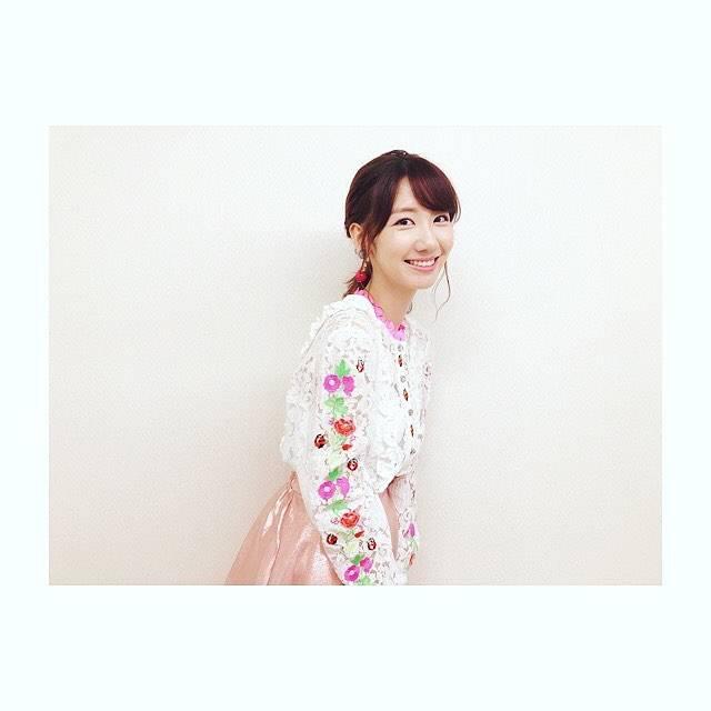 """柏木由紀(Yuki Kashiwagi) on Instagram: """".明日21:00〜!!秘密のケンミンSHOW📺みてくださいませ☺︎💐.衣装かわいかった〜🐞🌼🍀"""" (680132)"""